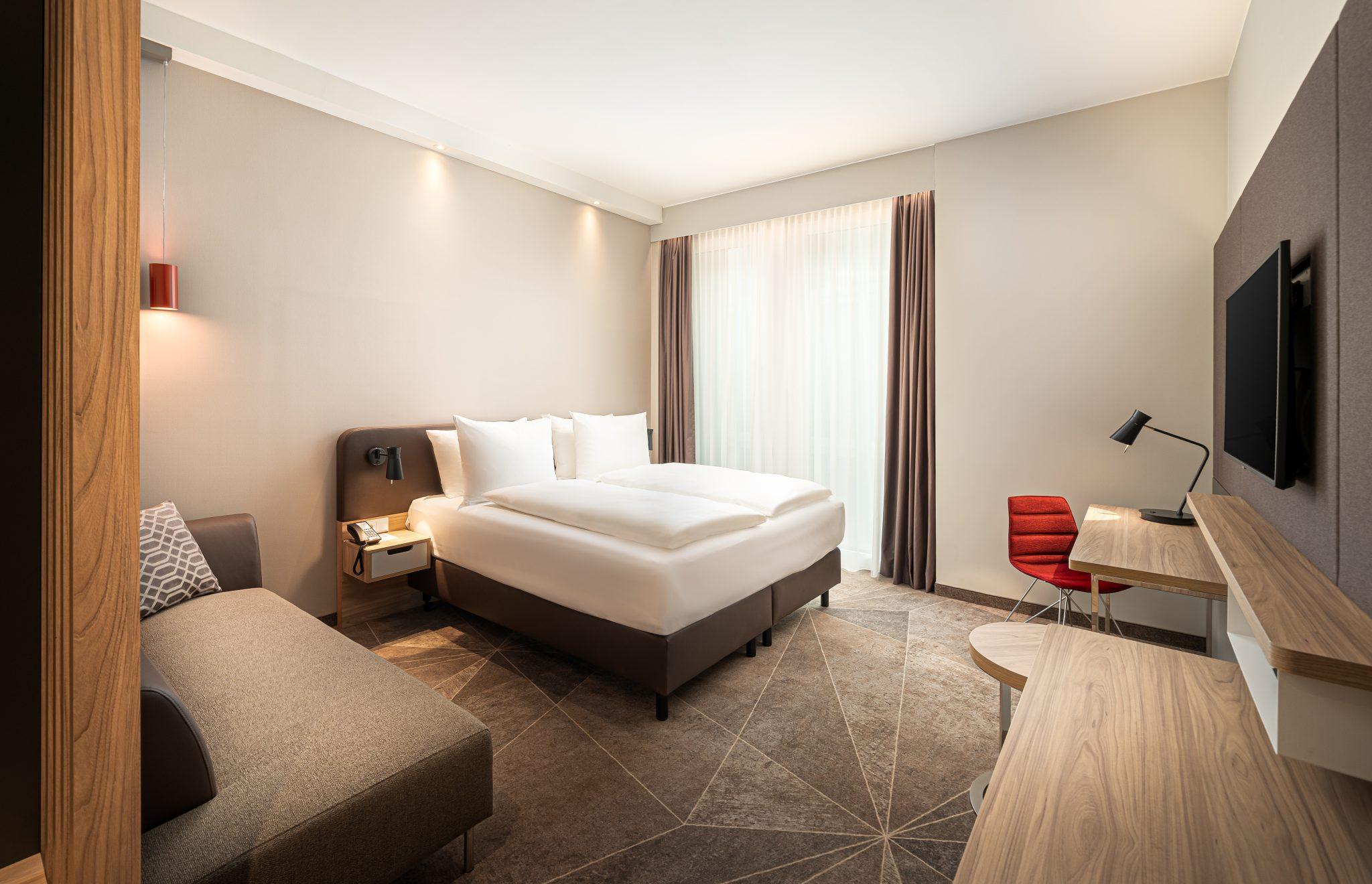 Übernachten Sie im neuen Holiday Inn Mannheim.